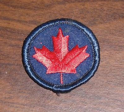 "VINTAGE 1970s GIRL GUIDES OF CANADA ""CITIZEN"" BADGE USED"
