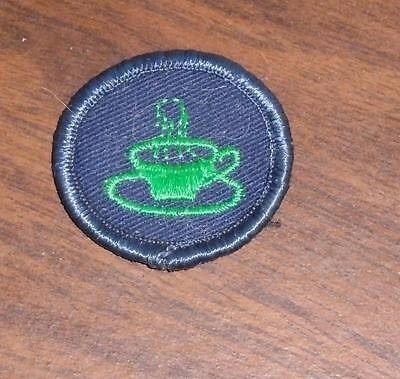 "VINTAGE 1970s GIRL GUIDES OF CANADA ""HOSTESS"" BADGE USED"
