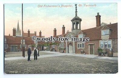 tq0378 - Norfolk - The Old Fishermen's Hospital, in Great Yarmouth - Postcard