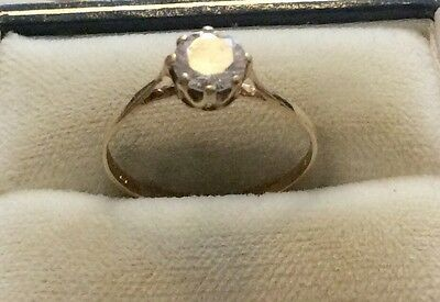 Lovely Ladies Hallmarked Vintage 9ct Gold White Stone Solitaire Ring