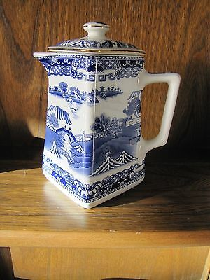 Wade for Rington's 1 pint  Tea Pot Willow Pattern Collection 1997