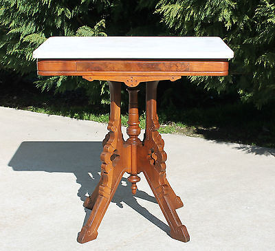 c1880 Walnut & Burl Eastlake Victorian Marble Top Lamp Side Parlor Table