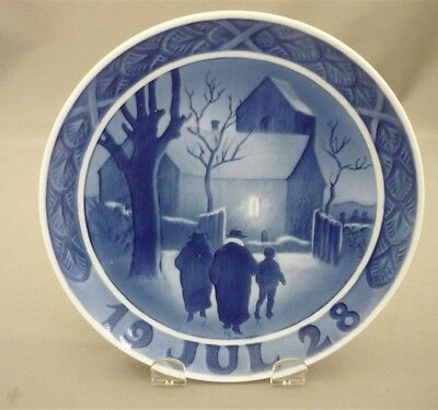 """1928 Royal Copenhagen Christmas Plate """"The Vicar Family on the Way to Church"""" RC"""