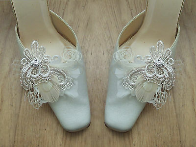 """White Cream Champagne Peacock Goose Feather + Lace Shoe Clips """"Zia"""" Bridal -Pair"""