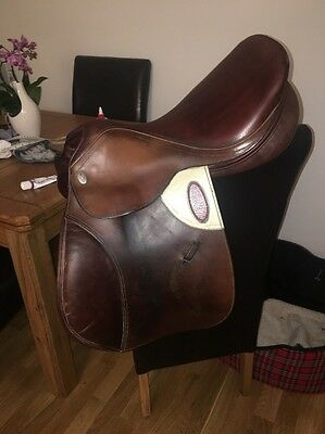 17 Inch Brown Leather Harry Dabbs Close Contact Jumping Saddle Medium Width