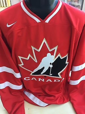 Canada Ice Hockey Team Jersey Shirt Size Small IIHF NHL Olympic Team Brand New