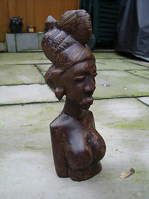 African Carved Wood Sculpture Figure Bust of an African Woman.