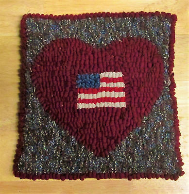 HEART OF A PATRIOT  Primitive Rug Hooking KIT WITH #8 CUT WOOL STRIPS