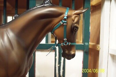 Jaapi TEAL halter w/chain lead - fit Breyer traditional