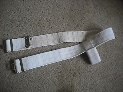 Post Ww2 Dated  British Army White Webbing Beltand Bayonet Frog   Large
