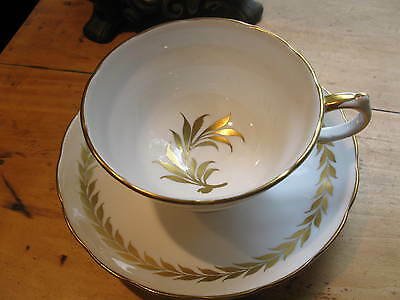 Vintage Grosvenor Tea Cup And Saucer  White With Laurel Gold Pattern A1