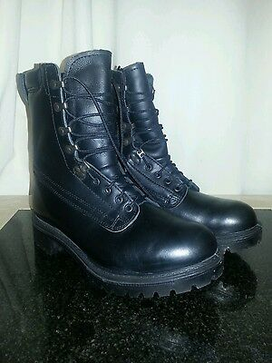 Mens military gortex boots size 8 uk