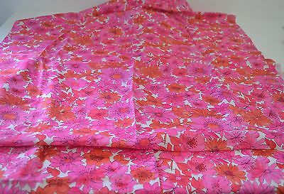 Wonderful Mid Century Vintage Linen Fabric With Flowers Ss226