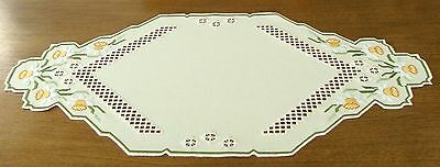HARDANGER Embroidery - TABLE RUNNER with daffodils - a spring poem - handmade