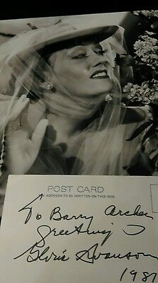 Great 10x8 photo of Gloria Swanson plus a white signed card