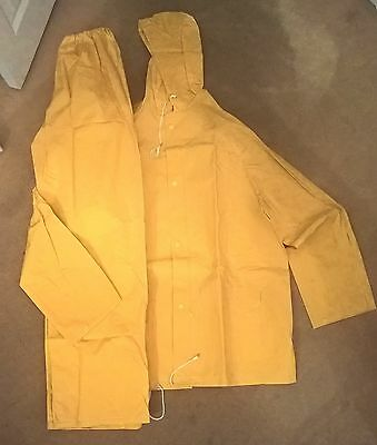 Protective rubber jacket and trousers clothing size large