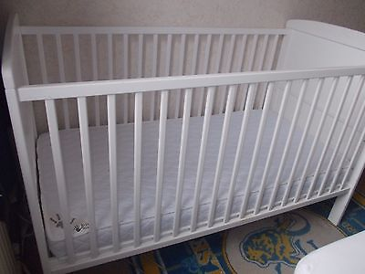 LITTLE ACORNS CLASSIC COT BED + Mattress - Baby / Toddler White Wood Cot Nursery