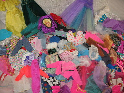 Vintage Lot Of 130 Barbie & Friends & Fashion Doll Clothes & Accessories ~92A7