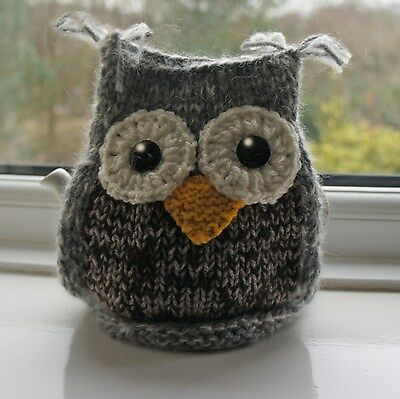 Snowy Owl  Tea Cosy to fit a Small Teapot.  Handknit.  BRAND NEW