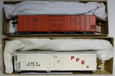 2 HO Athearn 57' Reefer Kits (PFE, ART)