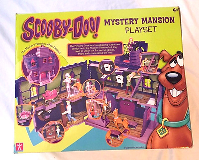 Scooby Doo Mystery Mansion Playset with figures included