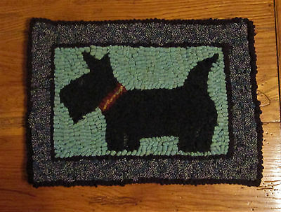 SCOTTY DOG Primitive Rug Hooking  KIT WITH #8 CUT WOOL STRIPS