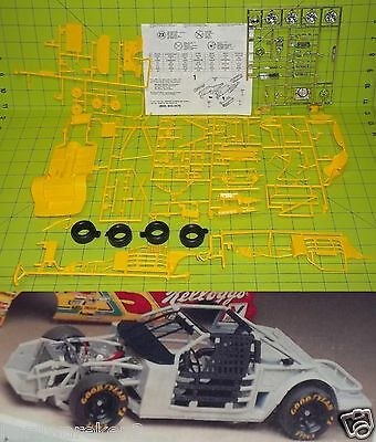 CHASSIS -1989-1995 GM COMPLETE ROLLER NASCAR CHASSIS KIT 1/24 Scale - Yellow