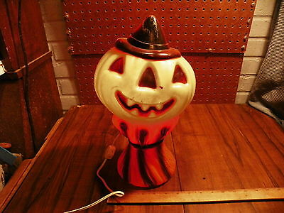 1969 EMPIRE Halloween Plastic Lighted Jack-O-Lantern on a Haystack