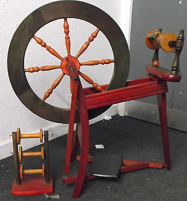 Vintage / Retro Beech Wood Hand Painted Red Weaving Spindle Spinning Wheel - W48