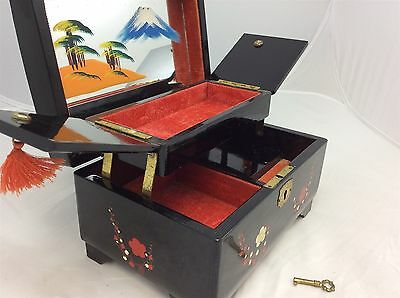 Dayson Musical Jewellery Box Black Laquered Mother of Pearl with Key