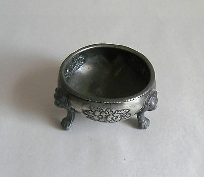 Antique/ Victorian EPNS Silver Plate Table Salter. Lion's Heads. Fine Dining