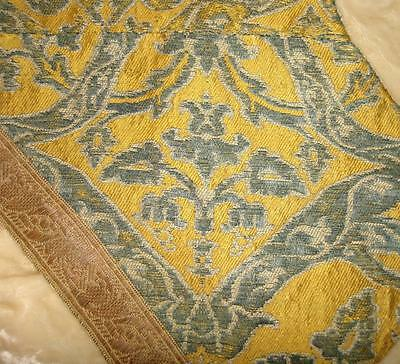 RARE BEAUTIFUL FRAGMENT 17th/18th CENTURY FRENCH SILK BROCADE