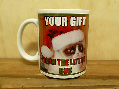 300mm COFFEE MUG - GRUMPY CAT CHRISTMAS - YOUR GIFT IS IN THE LITTER BOX..