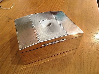 Superb antique solid silver cigar box fully hallmarked with no engraving !!1902