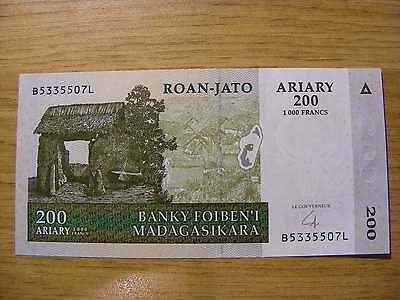 A 2004 Madagascar 200 Ariary Banknote -  UNC  -  very crisp