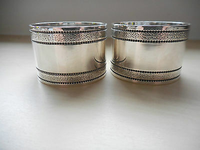 Gorgeous PAIR OF Vintage 1970's Silver-Plated Round Napkin Rings ~ VGC!