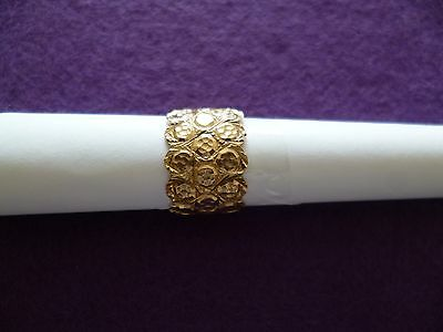 A Stunning And Unusual Designed Embossed 9Ct Solid Gold Ladies Dress Ring