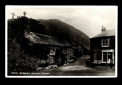 B85 Beddgelert Llywelyn Cottage RP Published by J.E. Powell Posted 1935