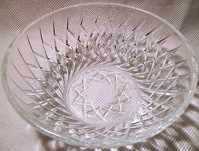French Art Deco Themed Crystal Bowl with Spiral Design