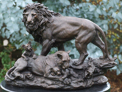 Beautiful 12 Kilo Mounted Hotcast Genuine Bronze Lion Statue Family Of Lions