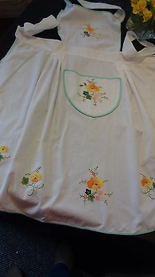 LOVELY VINTAGE  APPLIQUE & HAND EMBROIDERED FLOWERS white background Full Lgth