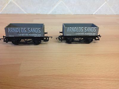 A Pair Of New Hornby OO Gauge Wagons 'Arnold's Sands'