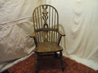 High Back large Windsor Chair (Antique / Victorian Style Armchair)