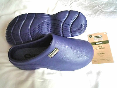 NEW Town & Country blue lightweight Eva CLOGGIES--Size 6 adult.