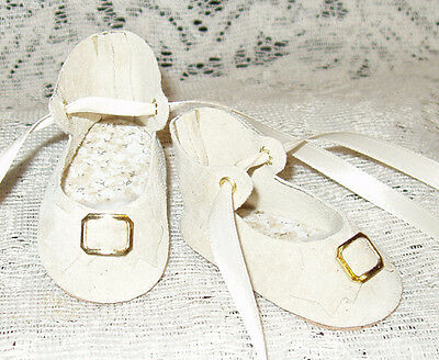 "Handmade Leather Doll Shoes ~ German Style ~ 2 5/8"" x 1 1/4""    Ivory Suede"