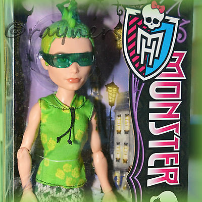 New | Monster High Deuce Duece Gorgon Doll Scaris | Mattel Y0395
