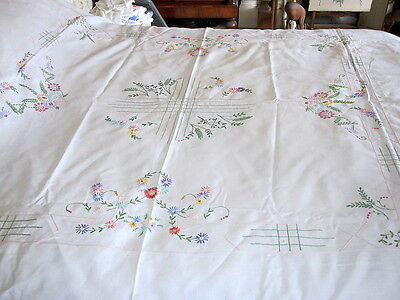 Lovely Vintage Hand Embroidered Irish Linen Bed Cover Tablecloth  92 X 73 Inches