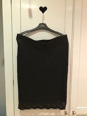 A Stunning Black Lace Maternity Skirt 12 Flattering, Stylish & Easy To Wear