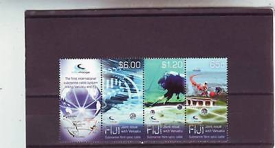 a121 - FIJI - SG1502-1504 MNH 2014 SUBMARINE CABLE SYSTEM LINKING VANUATU W/LABE