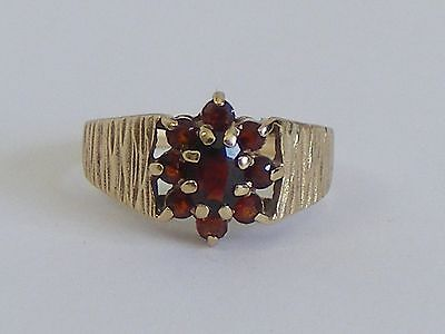 VINTAGE 9ct GOLD GARNET CLUSTER RING 1979